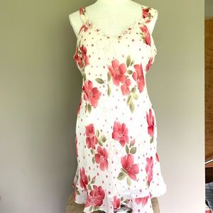 VTG Expressions CA Dynasty White Floral Chemise